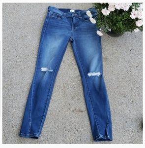 Denim - NWOT Miss Me Distressed Jeans W/ Slit Knee